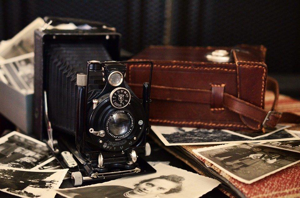 Fototerapia. Leggere le relazioni nelle foto